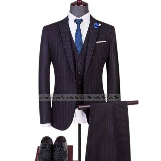 Customize 3 pcs Kings Suit with V-Shaped five button waistcoat