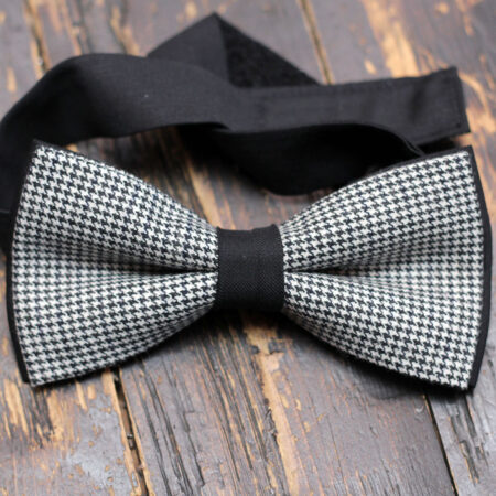 Classic Black and White Zig-Zag design Bow Tie with Pocket Square