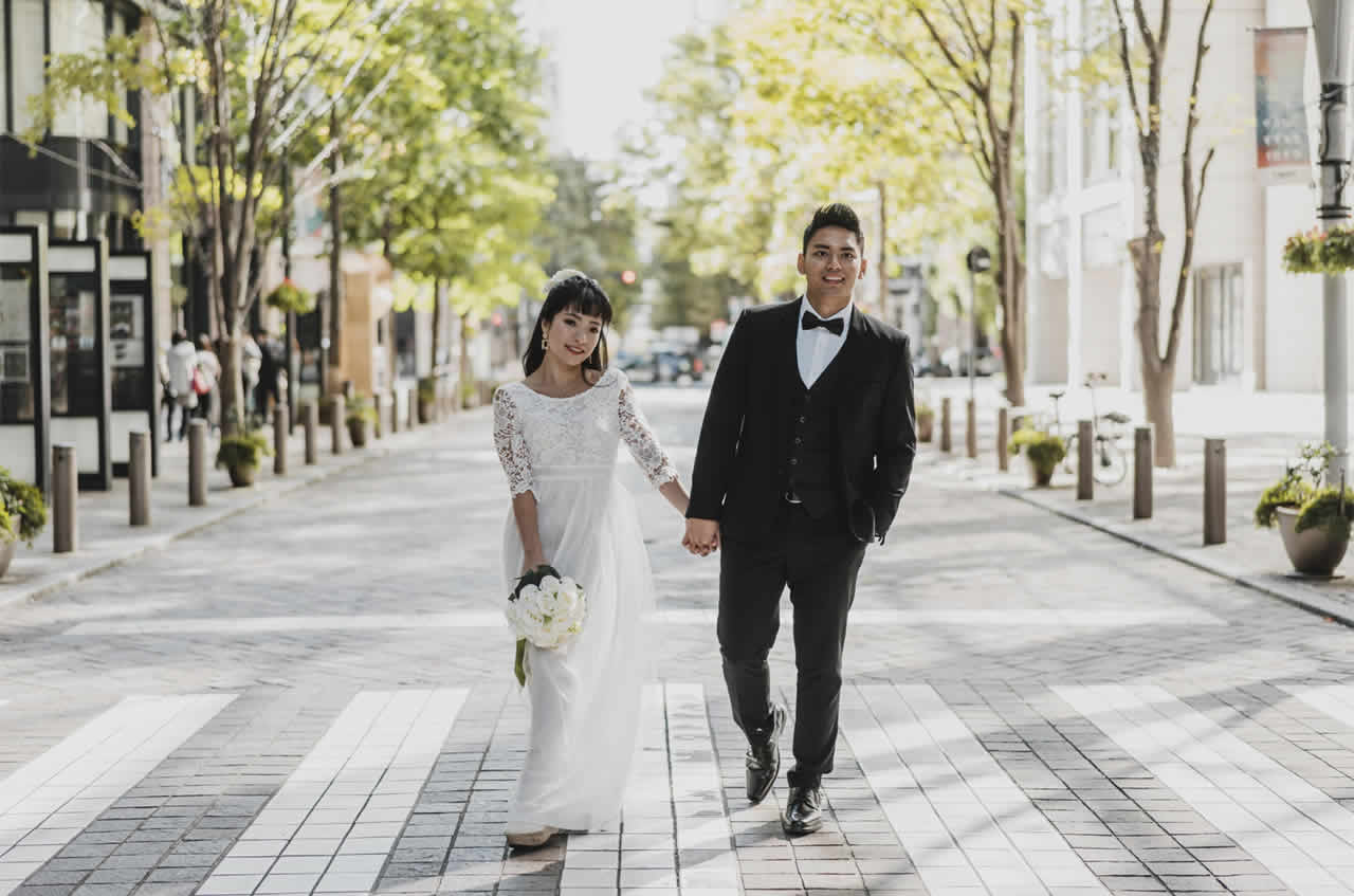 How To Wear Black Tuxedo Wedding Suits